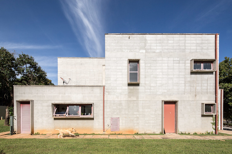 Industrial style houses by Joana França Industrial Concrete