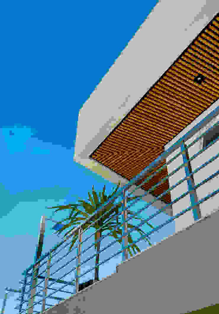 Casa Araguaia OM Casas modernas por dayala+rafael arquitetura Moderno Madeira Efeito de madeira