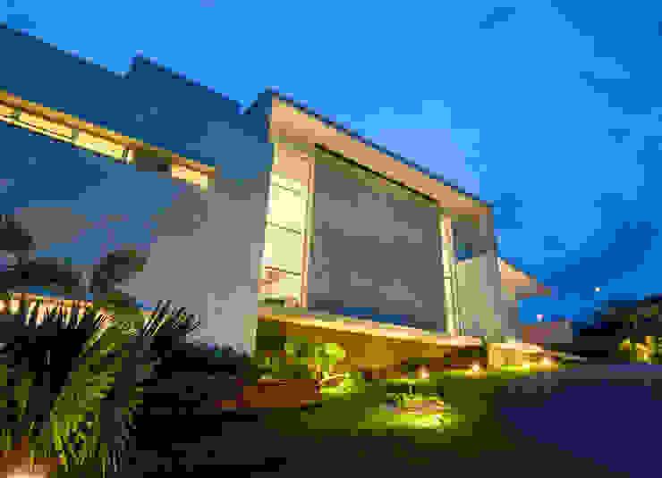 Casa Araguaia OM Casas modernas por dayala+rafael arquitetura Moderno