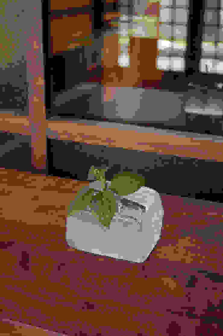 氷一輪挿し: 田井将博 グラスタイムが手掛けた現代のです。,モダン