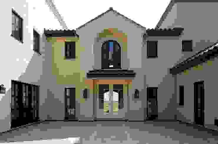 Classic style houses by SANKAIDO | 株式会社 参會堂 Classic