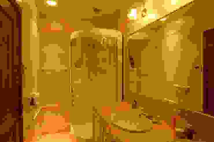 KA house | SANKAIDO 地中海スタイルの お風呂・バスルーム の SANKAIDO | 株式会社 参會堂 地中海