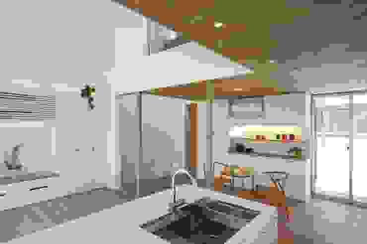等々力の家 北欧デザインの キッチン の アトリエ スピノザ 北欧