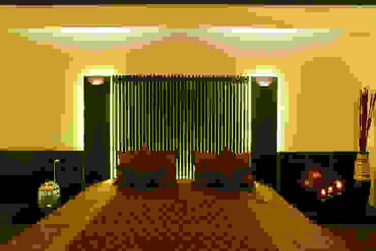 Спальня в стиле модерн от RUST the design studio Модерн Дерево Эффект древесины