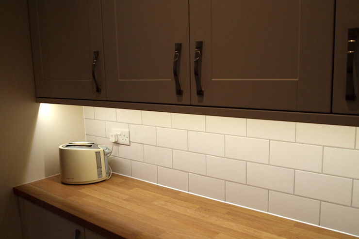 Kitchen by London Building Renovation, Classic