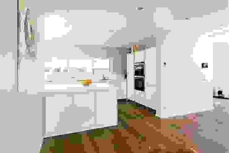 Dapur oleh Architekturbüro Ketterer, Modern