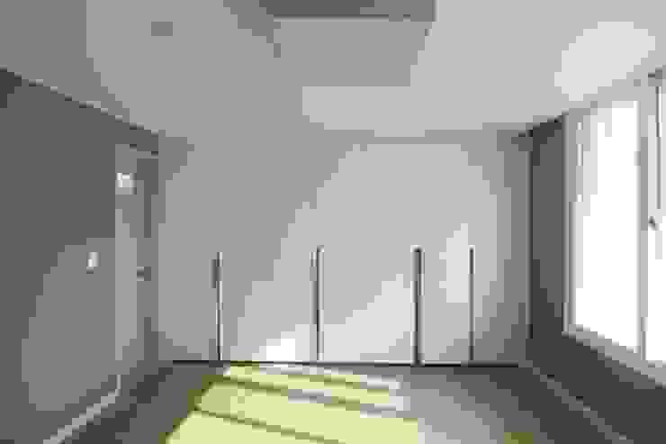 샛별마을 라이프 APT 109㎡ (before & after) 모던스타일 거실 by Light&Salt Design 모던
