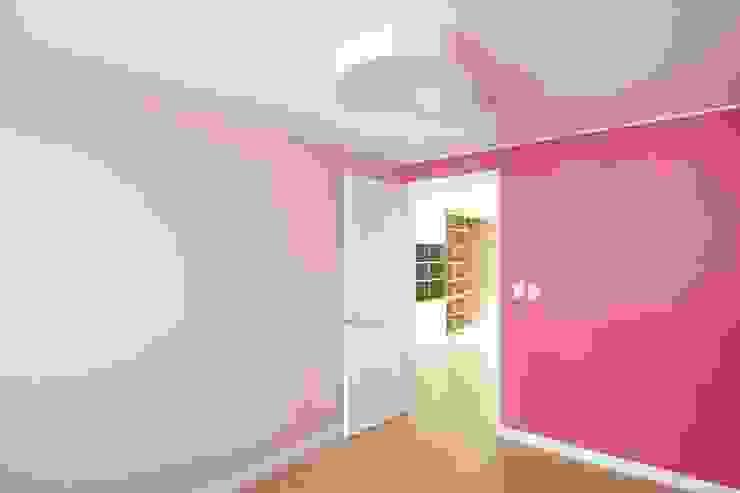 샛별마을 라이프 APT 109㎡ (before & after) 모던스타일 침실 by Light&Salt Design 모던