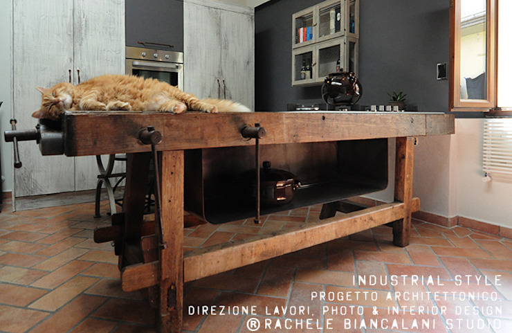 industrial  by homify, Industrial Solid Wood Multicolored
