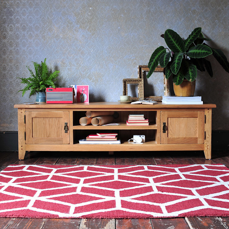 """Oakland Low Wide TV Unit - up to 70"""" de The Cotswold Company Rural Madera Acabado en madera"""