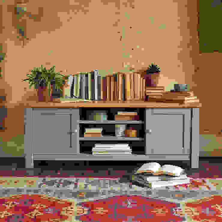 "Florence Grey Widescreen TV Unit Up to 60"" de The Cotswold Company Rural Madera Acabado en madera"