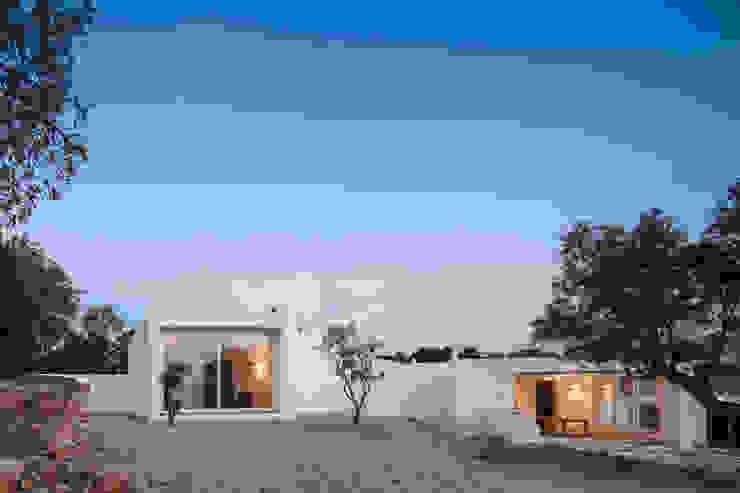 CASA VALE DE MARGEM Modern Houses by MARLENE ULDSCHMIDT Modern