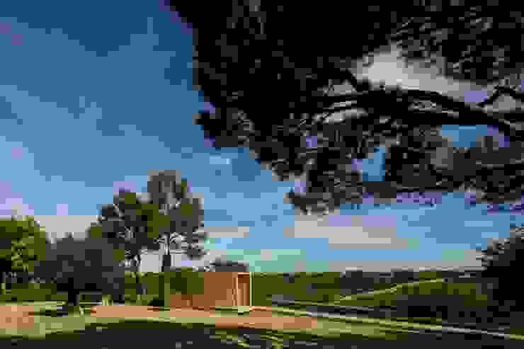 THE PAVILLION: Casas  por MARLENE ULDSCHMIDT,