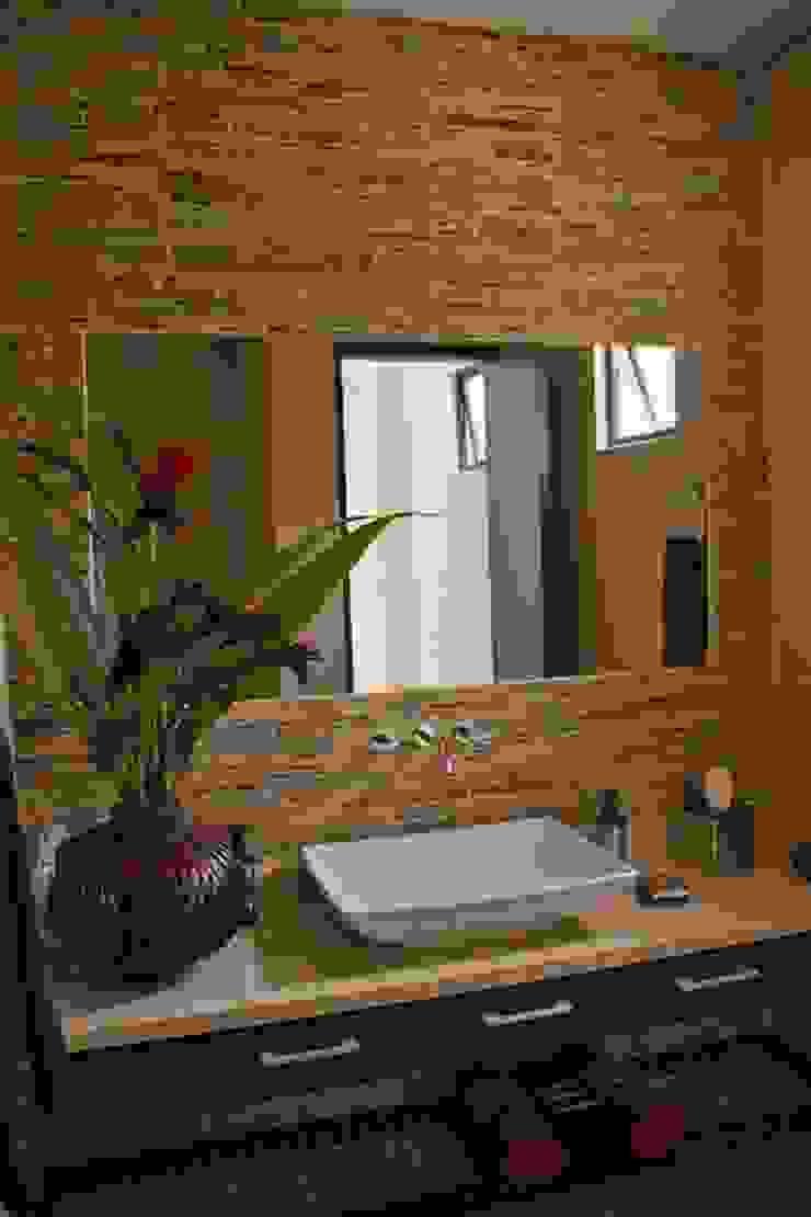Proyectos Residenciales Baños de estilo moderno de MORAND ARQUITECTURA Moderno
