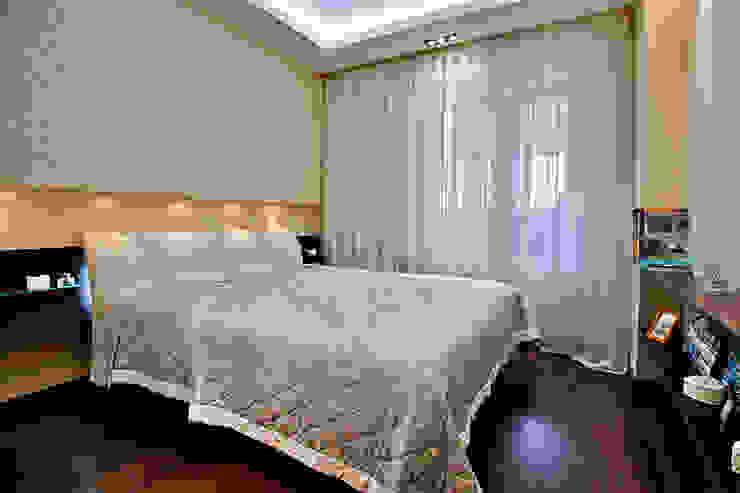 Dormitorios de estilo ecléctico de Designer Olga Aysina Ecléctico
