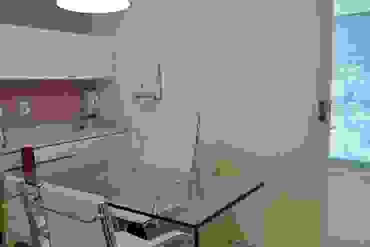 Consultório Dermatologia Espaços comerciais modernos por Isabella Machado Arquitetura Moderno