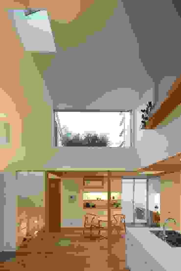 等々力の家 北欧デザインの リビング の アトリエ スピノザ 北欧