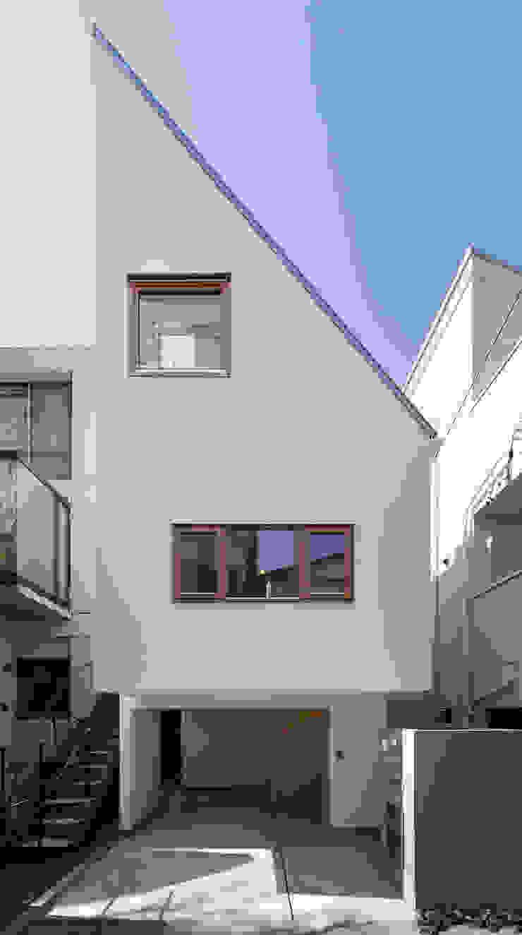 アトリエ スピノザ Rumah Modern White