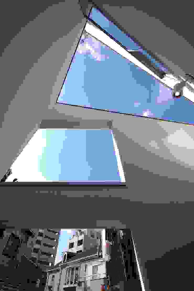 白金の家 ミニマルデザインの テラス の アトリエ スピノザ ミニマル