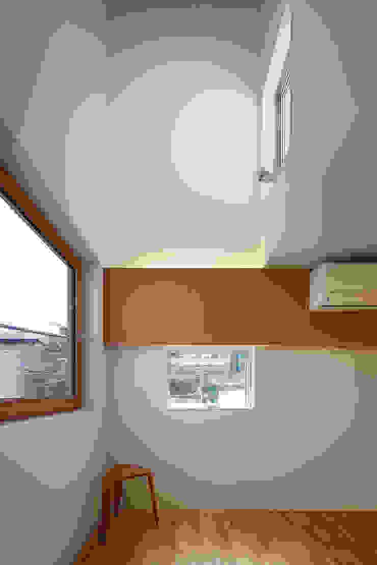 白金の家 北欧デザインの 子供部屋 の アトリエ スピノザ 北欧