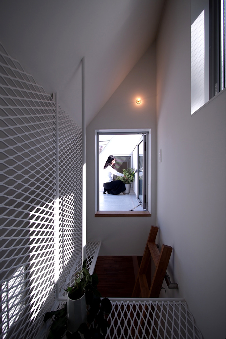 白金の家 北欧スタイルの 玄関&廊下&階段 の アトリエ スピノザ 北欧