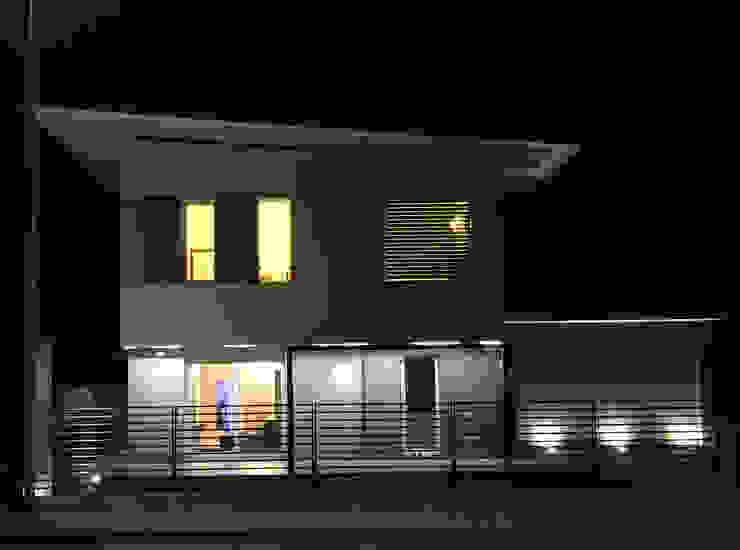 PASSIVHAUS [BOLGARE – BG] www.marlegno.it – Progetto: Arch. Luca Barcella Case moderne di Marlegno Moderno