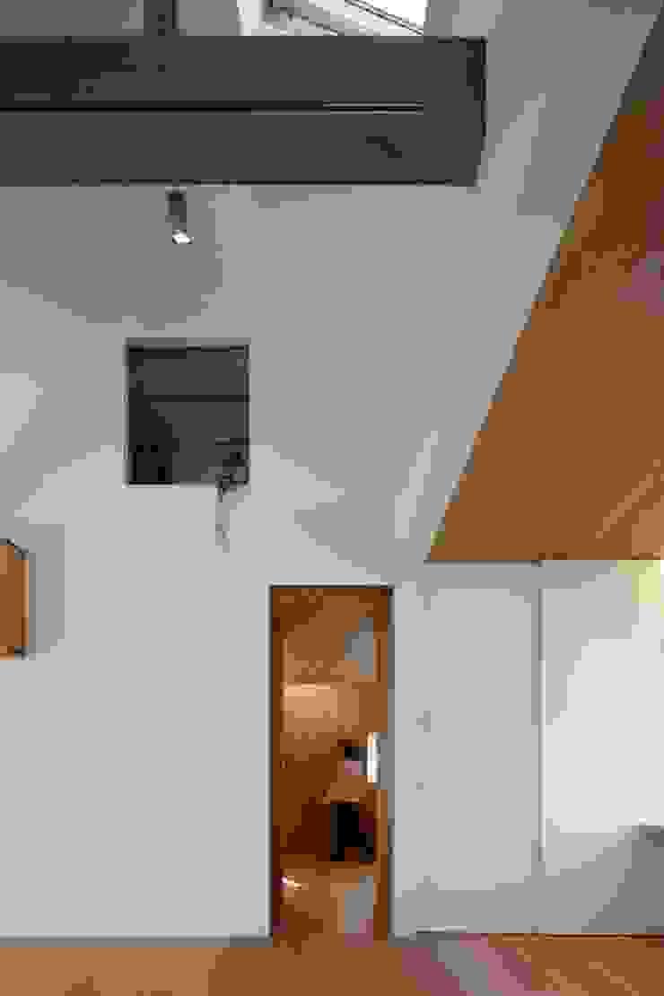 アトリエ スピノザ Ruang Keluarga Minimalis