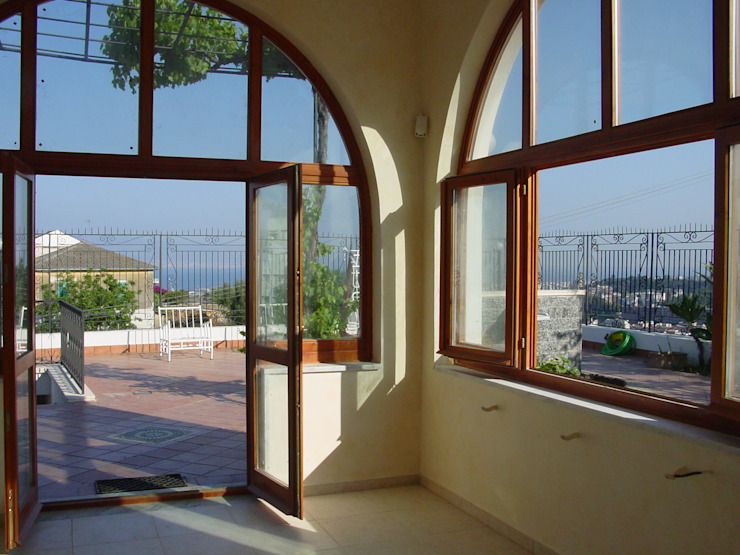 Classic style conservatory by Ing. Edoardo Contrafatto Classic