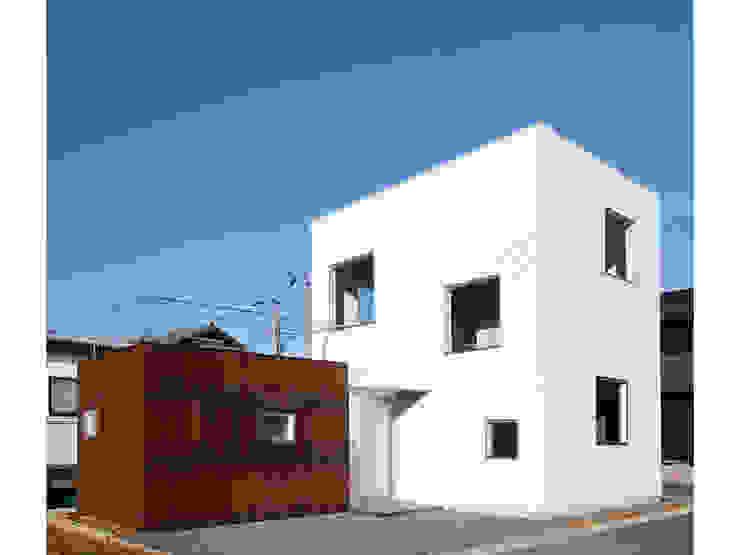 SN-house ミニマルな 家 の TNdesign一級建築士事務所 ミニマル 金属