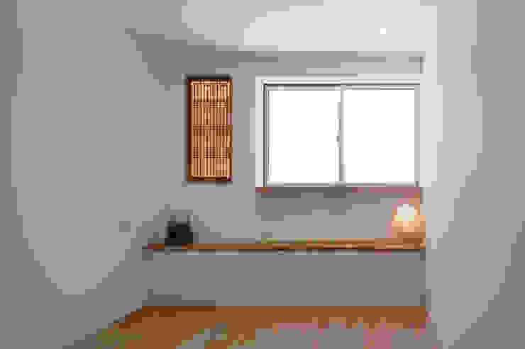Projekty,  Sypialnia zaprojektowane przez アトリエ スピノザ, Skandynawski