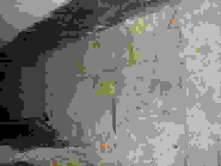 Ing. Edoardo Contrafatto Classic style corridor, hallway and stairs