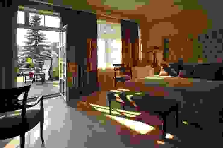 House in Darmstadt Petr Kozeykin Designs LLC, 'PS Pierreswatch' Classic style bedroom