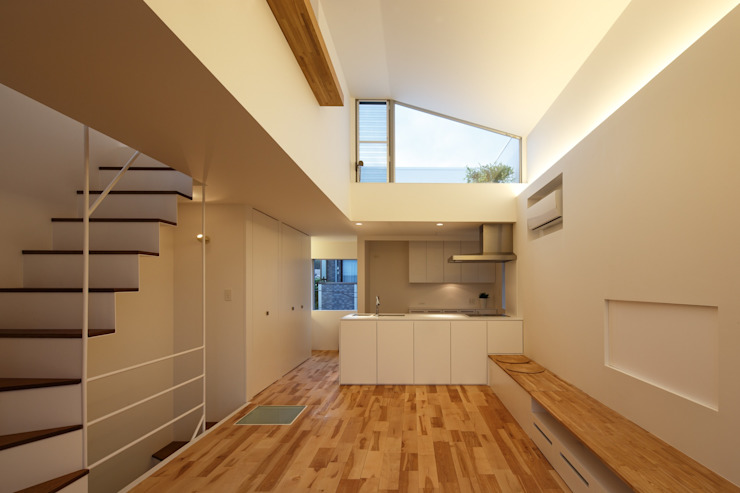 上鶴間の家 モダンデザインの リビング の アトリエ スピノザ モダン