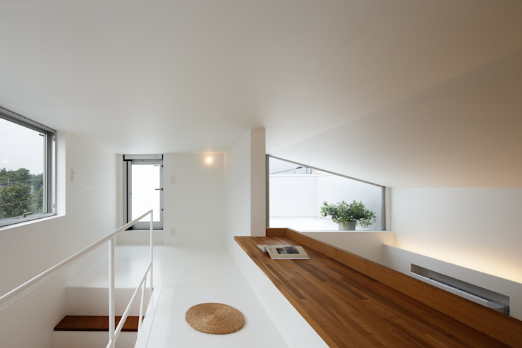 上鶴間の家 モダンデザインの 子供部屋 の アトリエ スピノザ モダン