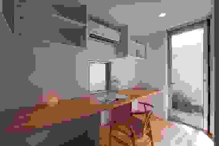 上鶴間の家 モダンデザインの 書斎 の アトリエ スピノザ モダン