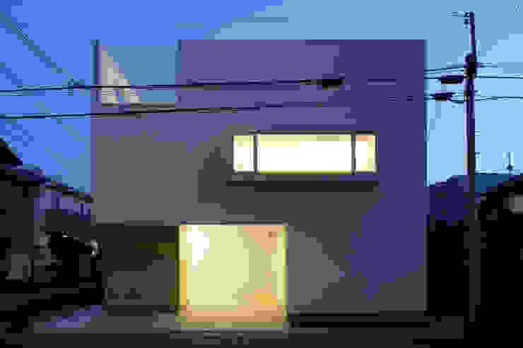 アトリエ スピノザ Rumah Minimalis