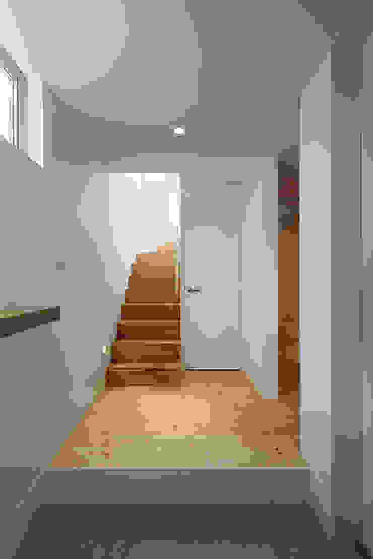 池上の家 北欧スタイルの 玄関&廊下&階段 の アトリエ スピノザ 北欧