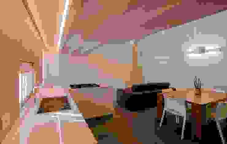 Villa Ilaria, casa in legno Soggiorno moderno di Progettolegno srl Moderno Legno Effetto legno
