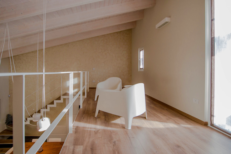 Living room by Progettolegno srl
