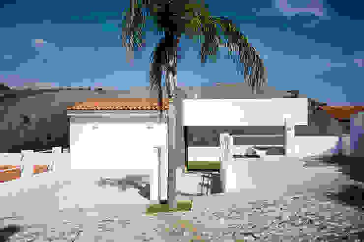 ingreso principal Casas modernas de Excelencia en Diseño Moderno Concreto
