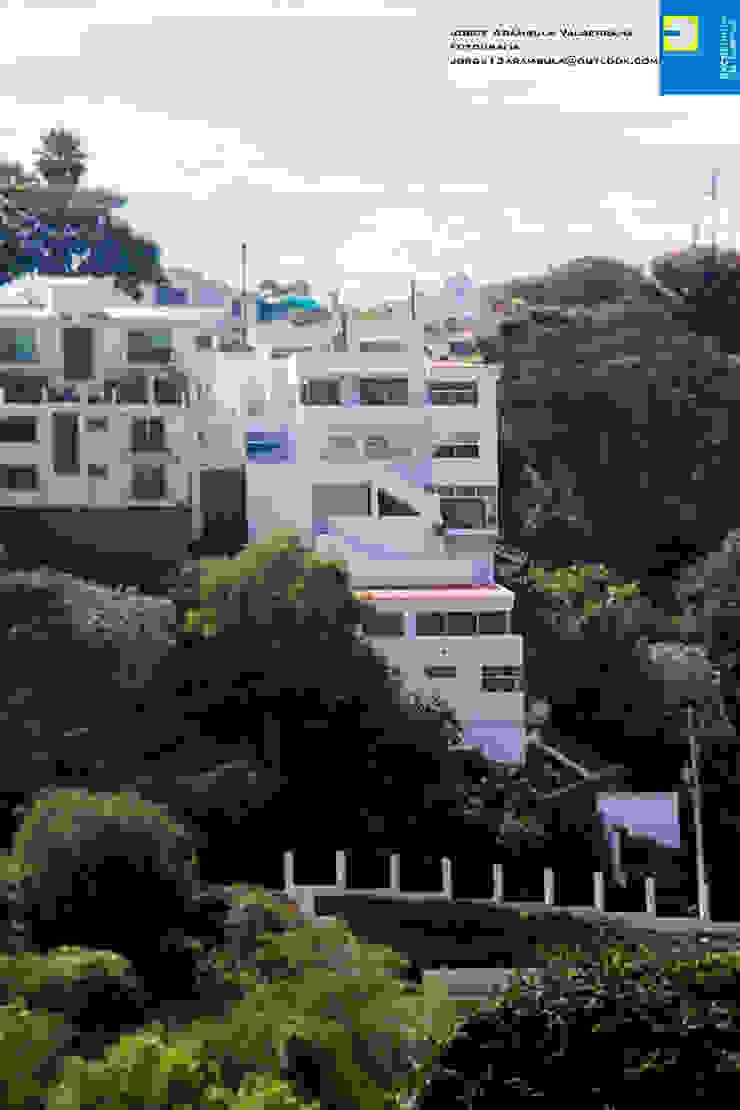 fachada exterior Casas modernas de Excelencia en Diseño Moderno Concreto
