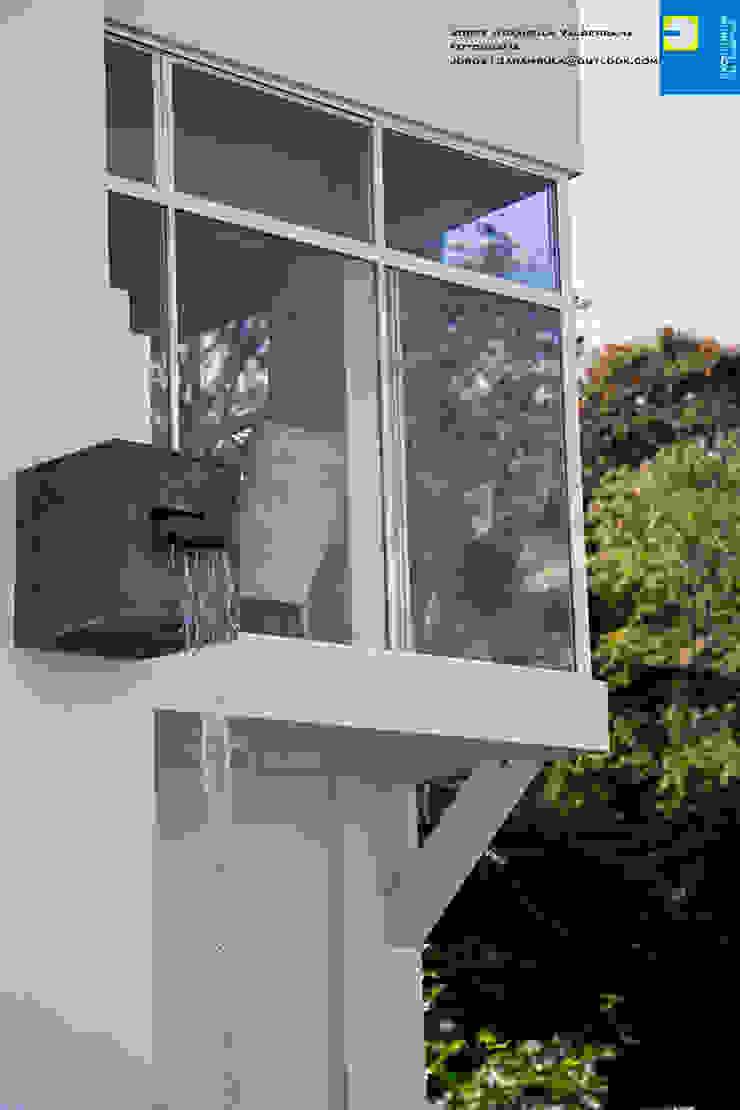 la cascada Balcones y terrazas modernos de Excelencia en Diseño Moderno Ladrillos