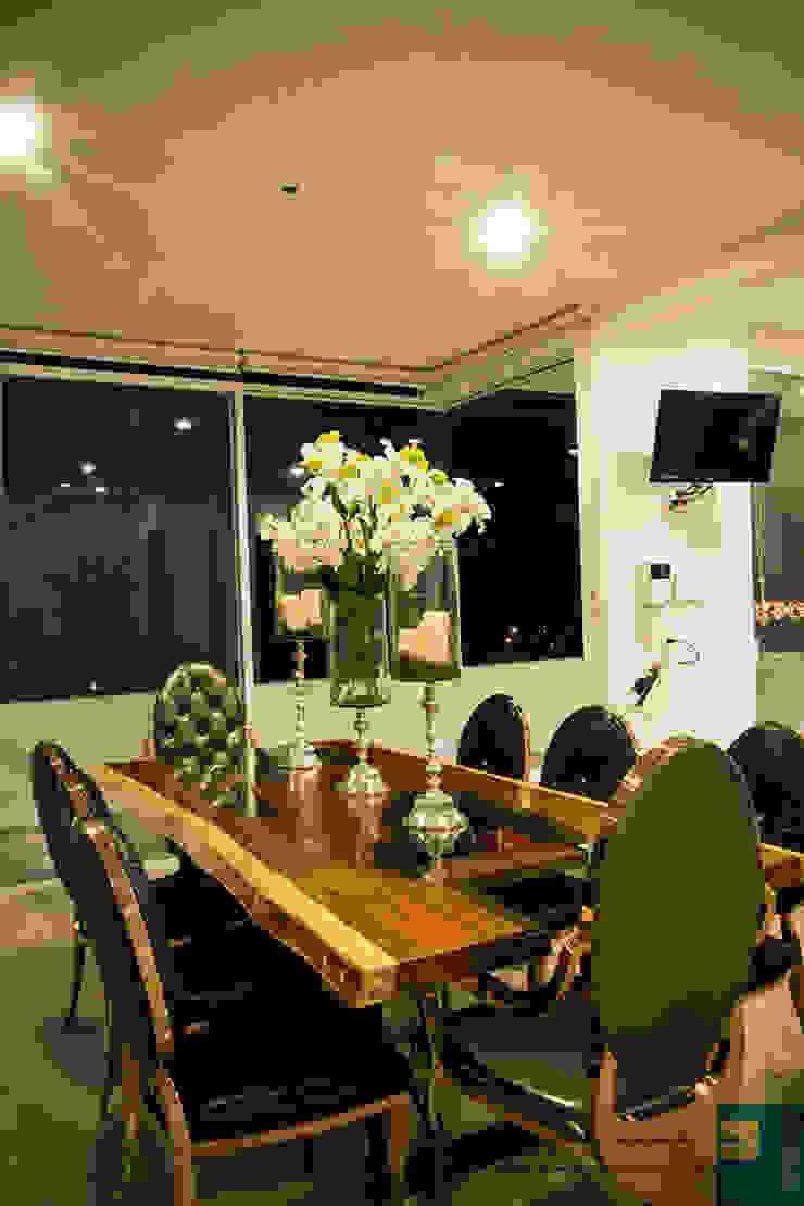 comedor Comedores modernos de Excelencia en Diseño Moderno Madera maciza Multicolor