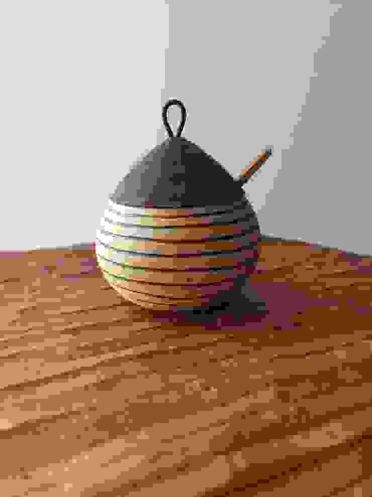 しましまの薬味入れ: cbb16305が手掛けた折衷的なです。,オリジナル 陶器