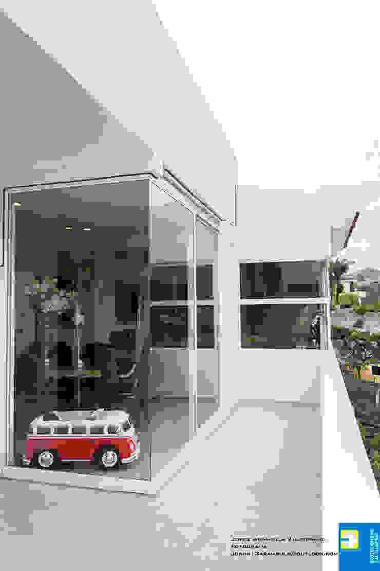 TERRAZA Balcones y terrazas modernos de Excelencia en Diseño Moderno Mármol
