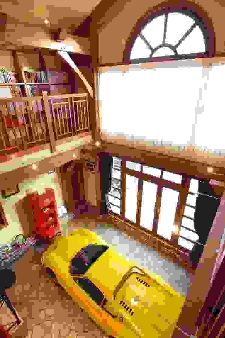 NI house | SANKAIDO ラスティックデザインの ガレージ・物置 の SANKAIDO | 株式会社 参會堂 ラスティック