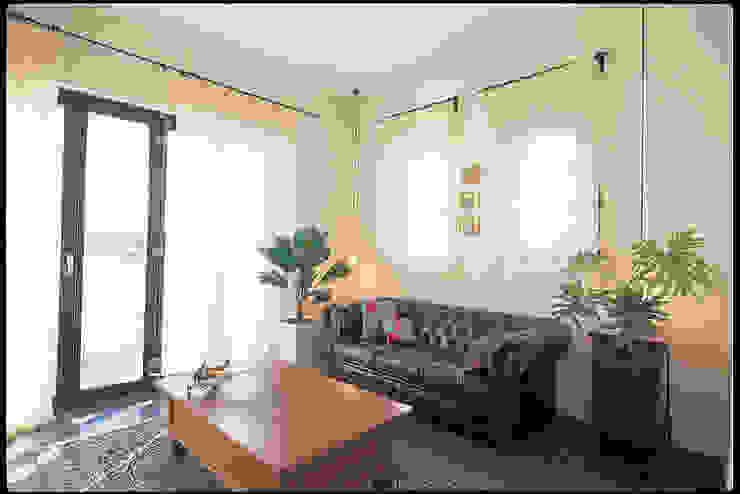 YA house | SANKAIDO 地中海デザインの リビング の SANKAIDO | 株式会社 参會堂 地中海