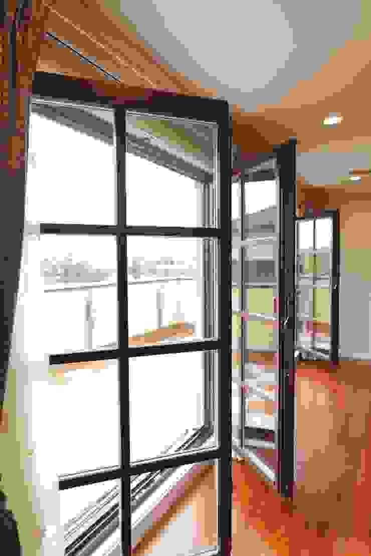 TA house | SANKAIDO 地中海スタイルの 寝室 の SANKAIDO | 株式会社 参會堂 地中海