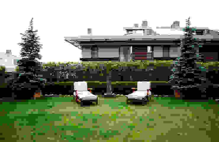 Kerim Çarmıklı İç Mimarlık의  정원, 모던