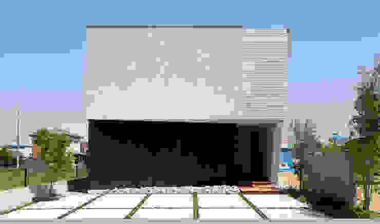 とおり庭の家 モダンな 家 の 一級建築士事務所 株式会社KADeL モダン
